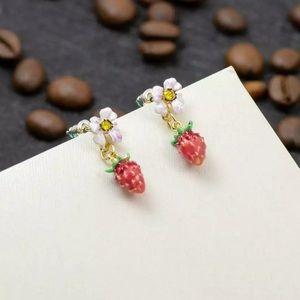 🍓NWT Betsey Johnson Strawberry Earrings 🍓